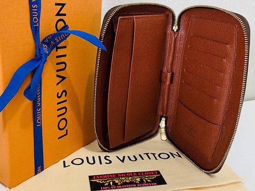 LV Geode Zippy Wallet