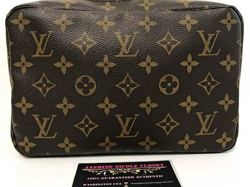 Excellent Used Condition LV Cosmetic Pouch Mono