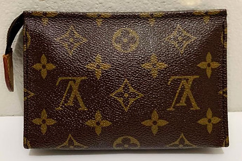 Pre Owned Rare Authentic LV Toiletry Pouch 15