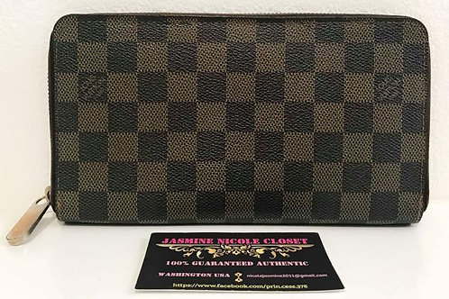 Pre Owned LV ZIPPY ORGANIZER Wallet