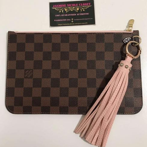Excellent Used Condition LV Neverfull Pouch GM/MM with pink tassel key chain inc