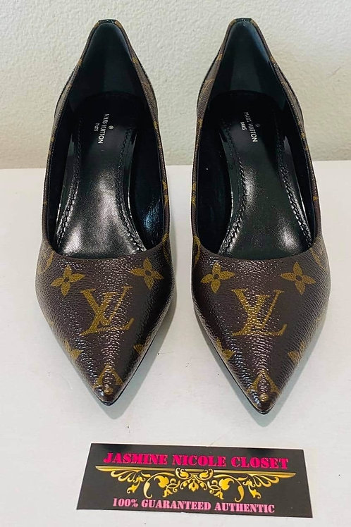 Brand  New LV Shoes Size 38