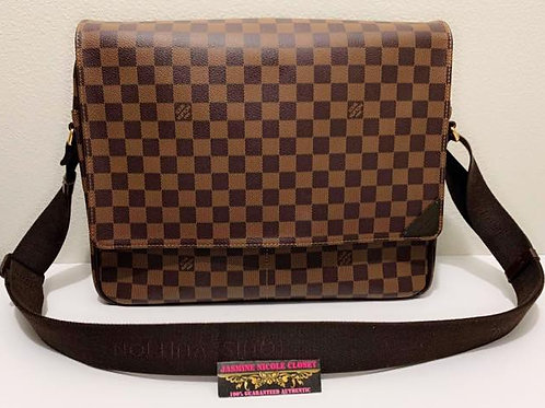 Pre Owned Rare Authentic LV Shelton GM Messenger Bag perfect for laptop