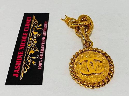 chanel medallion