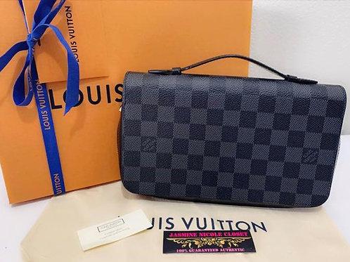 Excellent Condition Authentic LV Zippy XL Wallet