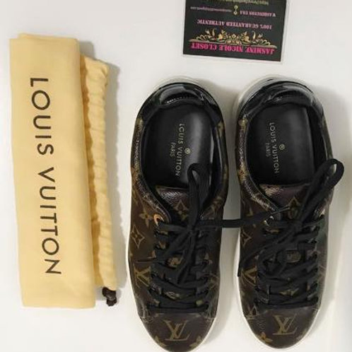 Pre Owned Rare hard to find Authentic LV Frontrow Shoes Size 37