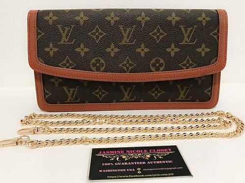 Excellent Used Condition Rare Hard to find LV Dame Clutch Monogram Clutch Bag