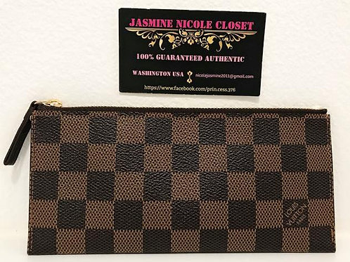 Excellent Used Condition Luis Vuitton Pouch Ebene in very good condition