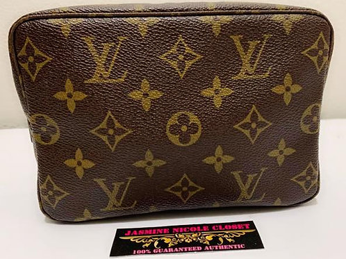 Pre Owned Rare hard to find this size Authentic LV Toiletry 18 Pouch