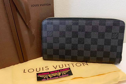 Pre Owned Authentic LV Zippy Organizer Wallet