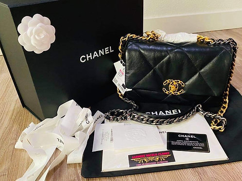 Brand New Chanel 19 Small Size Black