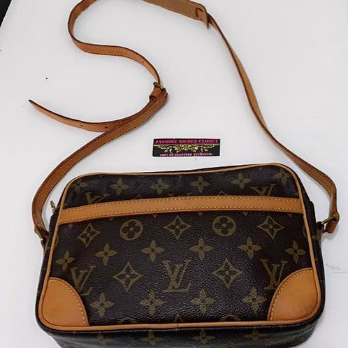 Pre Owned LV Trocadero Crossbody Bag