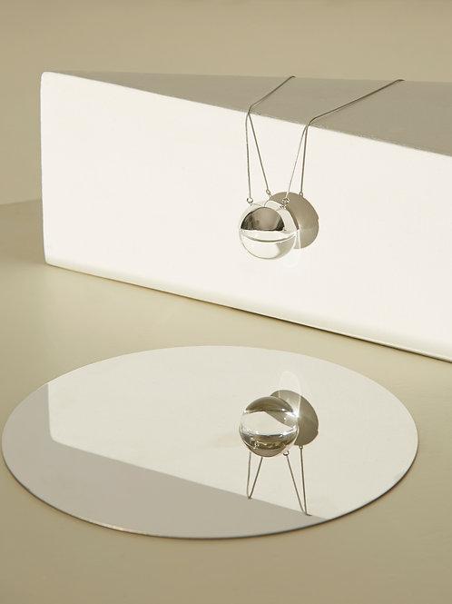 Single half orb necklace in Silver