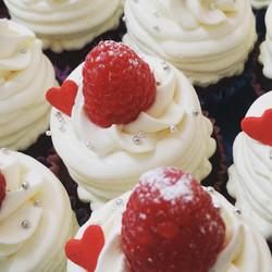 ダブルクリーム&ラズベリーカップケーキ