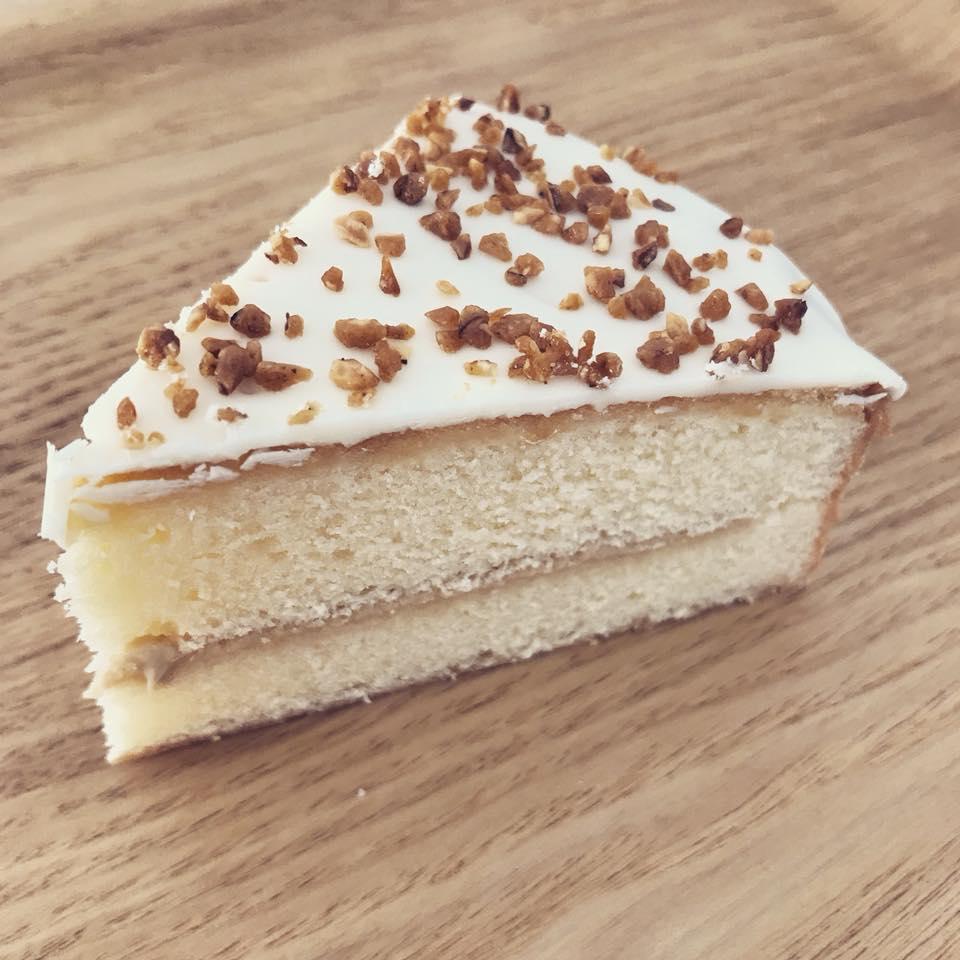 ナッツ&ミルクスプレッドバターケーキ