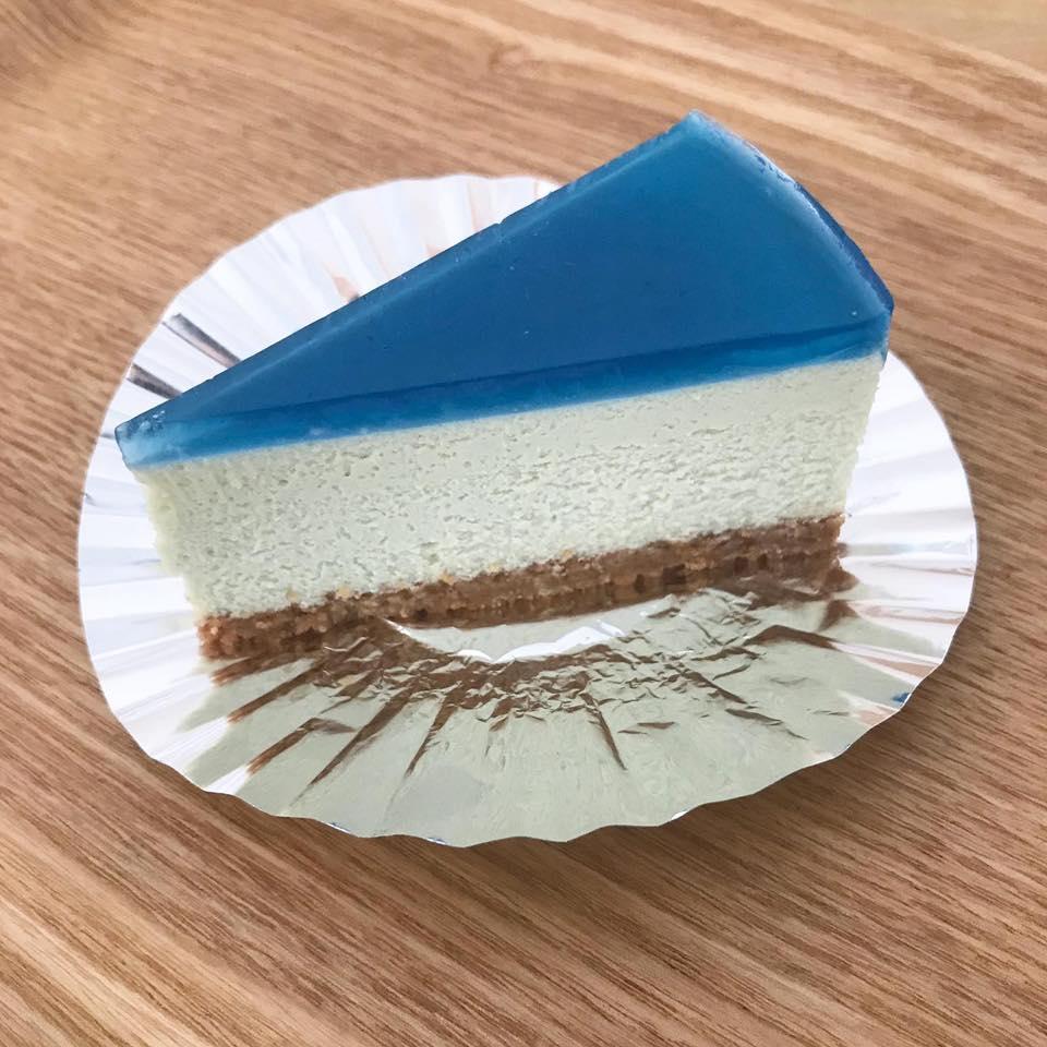 スピルリナチーズケーキ