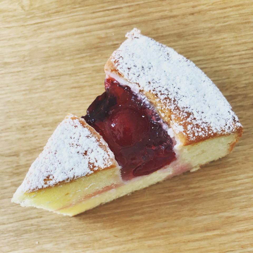 クリスタルベリーバターケーキ