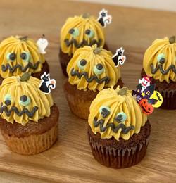 ハロウィンモンスターカップケーキ