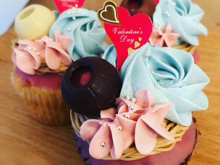 バレンタイン限定ルビーチョコレートカップケーキ
