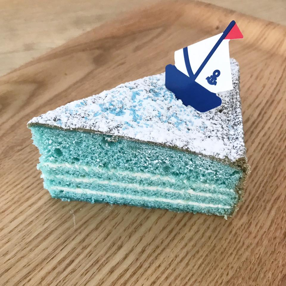 マリンブルーケーキ