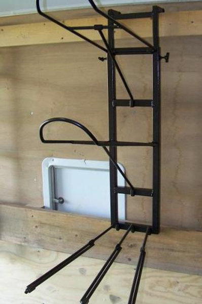Double saddle rack with height extension and adjustable blanket bars