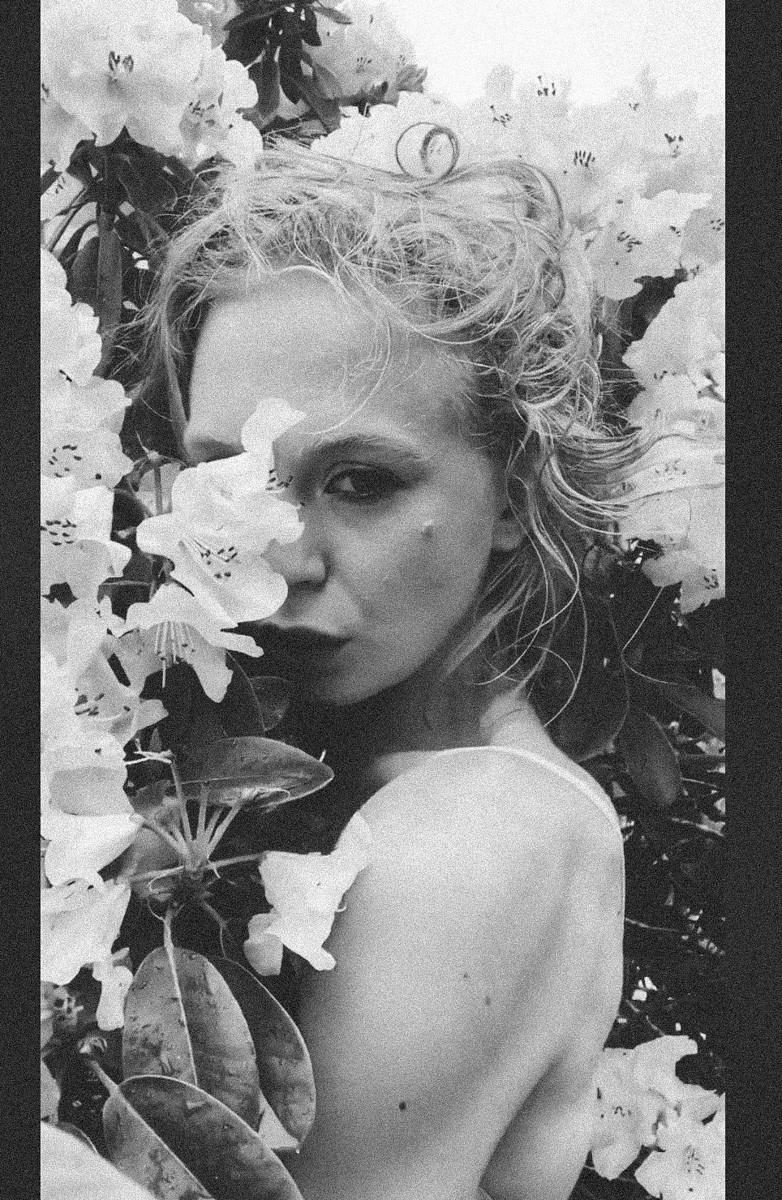 blonde in flowers beauty portrait pdx