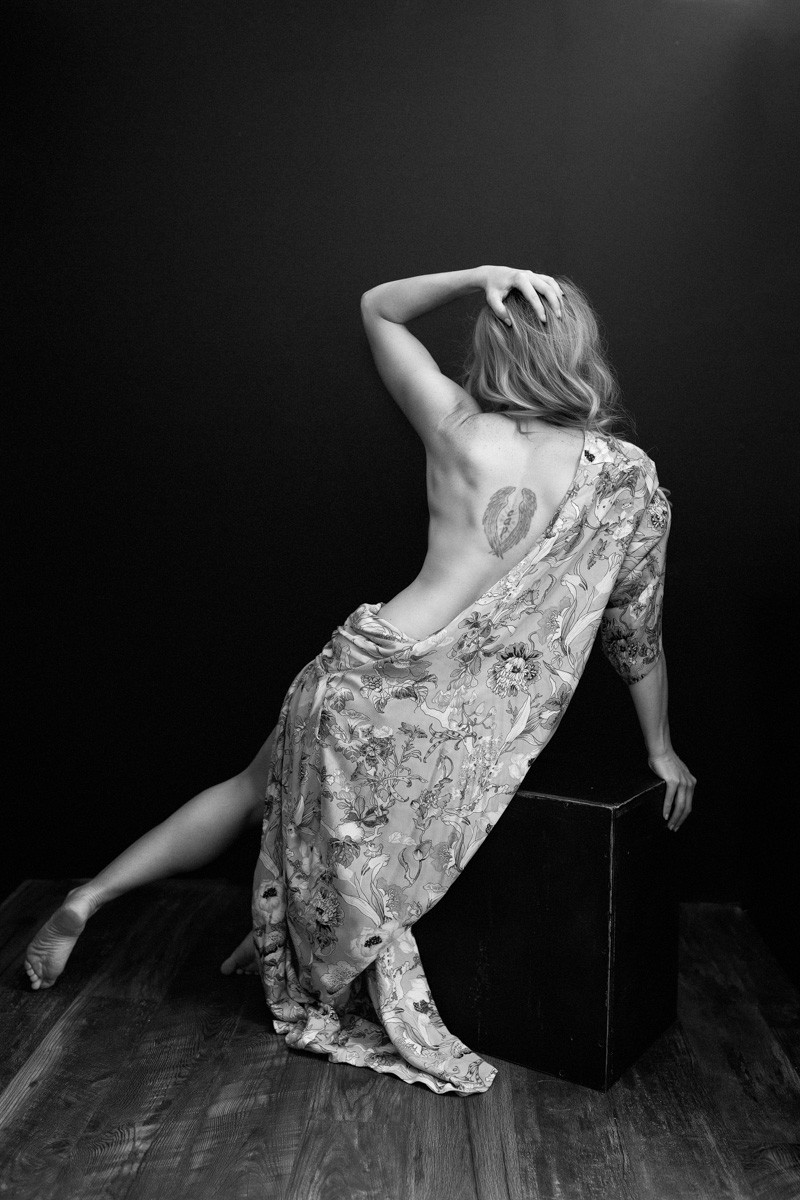 back of portland oregon boudoir implied nude portrait