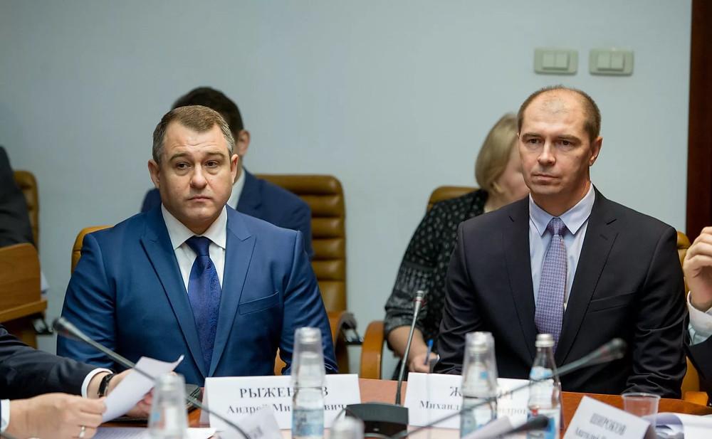 судья-докладчик Жубрин М.А. (справа)