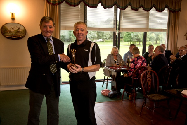 Colin Simcox, winner guest trophy_