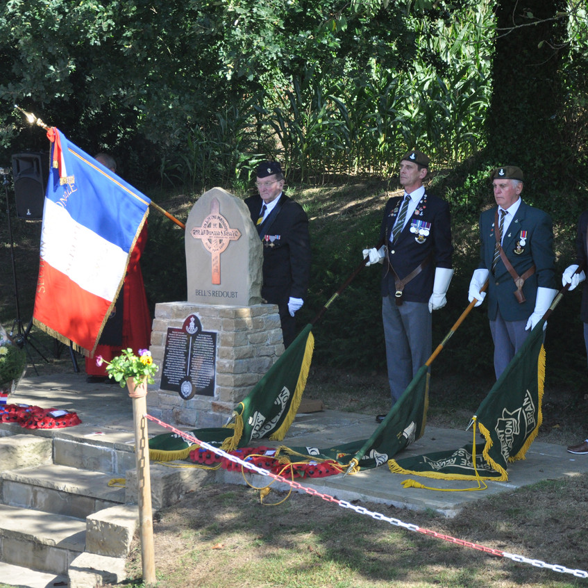 Harrogate GS and French pupils lay crosses