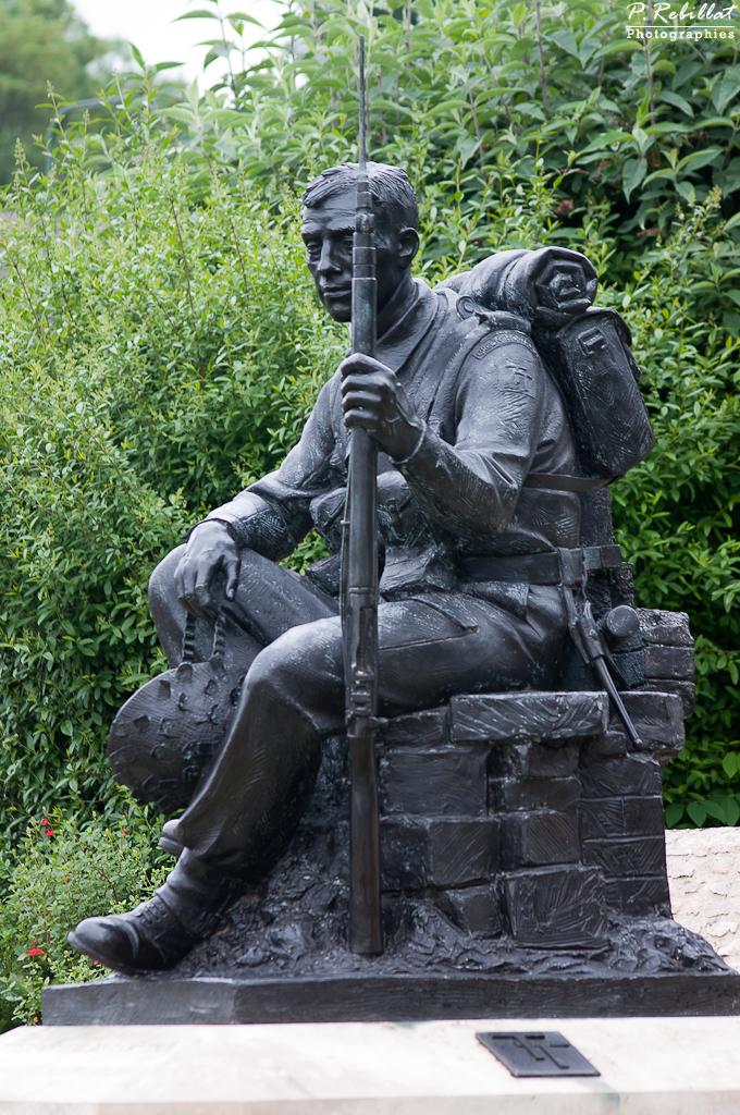 9 Crepon Statue
