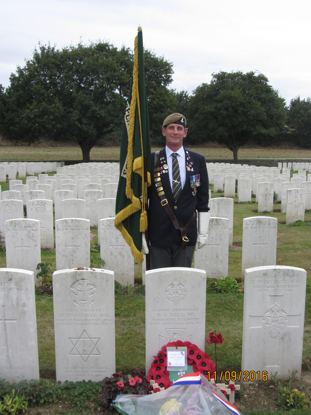 Dave Wardle at Bell VC grave