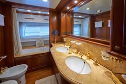 The Promenade Suite Bathroom