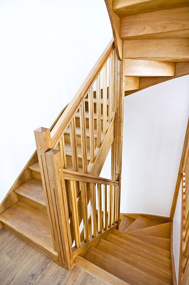 Wooden%20stairs%20in%20a%20new%20contemporary%20house_edited.jpg