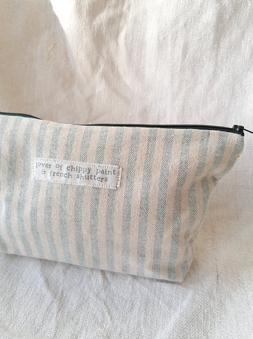 Chippy paint - Extra Large Pouch