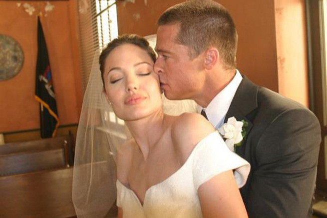 Brad-Pitt-And-Angelina-Jolie-Wedding--Couple-Get-Married-In-France.jpg