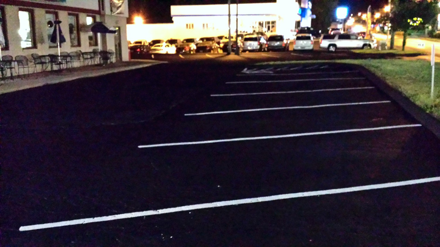 commercial driveway seal coating