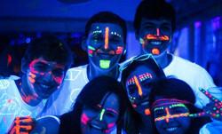 Pintacaras luminiscente para fiesta Neón