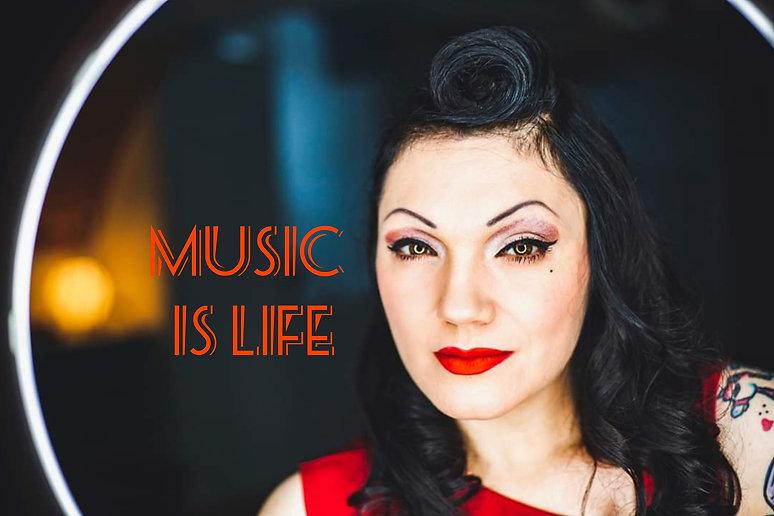 Maja music is life.jpg