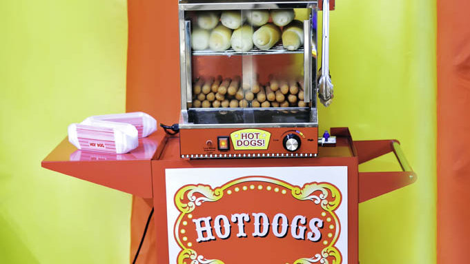 Hot Dogs with retro Cart