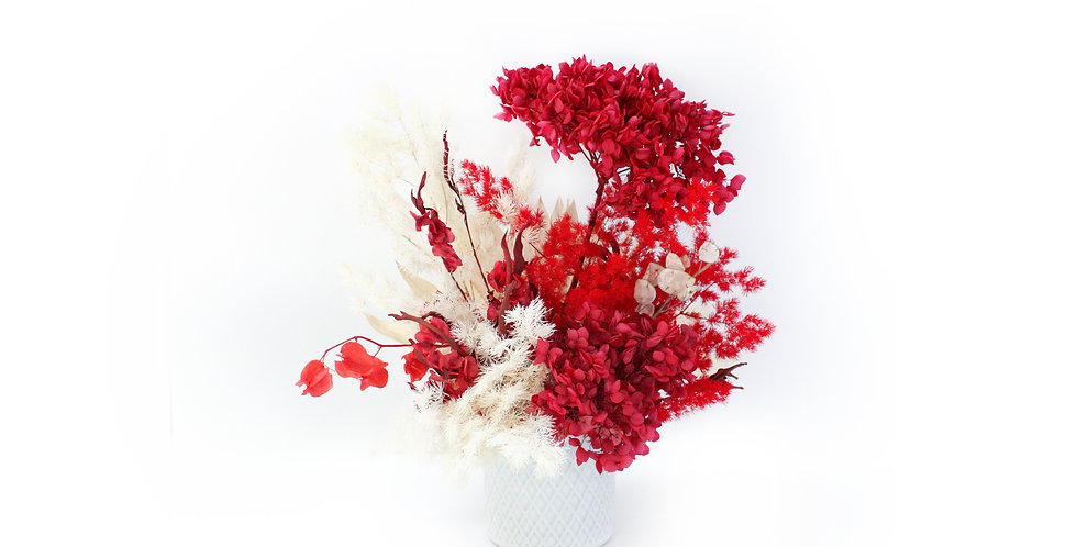 sydney florist, red, preserved flower, everlasting flower, dried flower, preserved flower arrangement