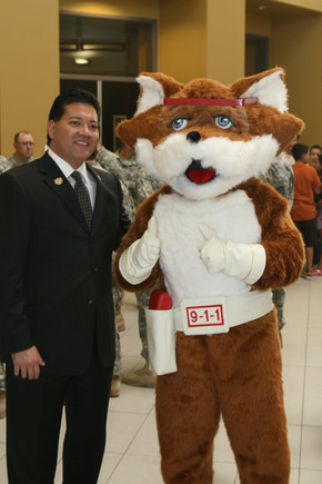 Red E Fox Meets the Mayor