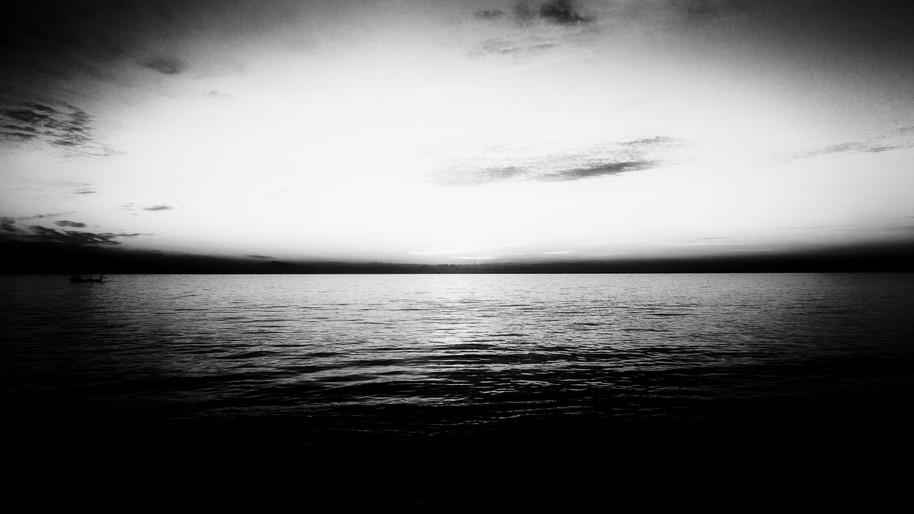 Breaking Dawn 夜明け