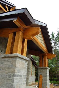 Structure de bois massif