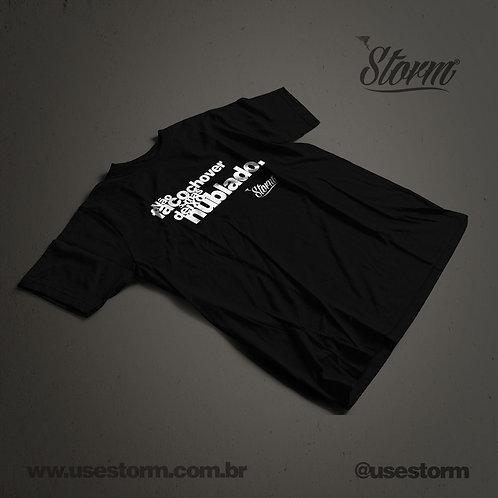 Camiseta Storm Não faço chover mas deixo nublado