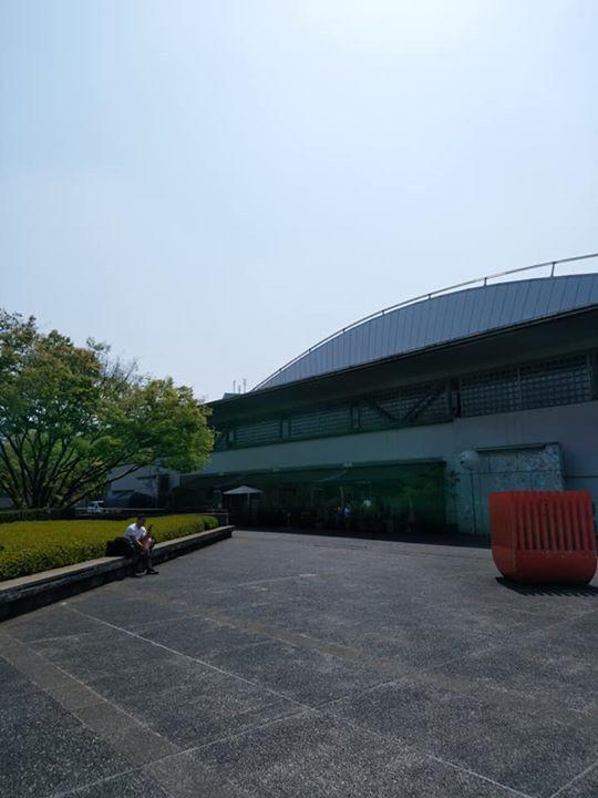 東京体育館横のカフェ 空が広くて気持ちよい 煌めく返り花プロジェクト