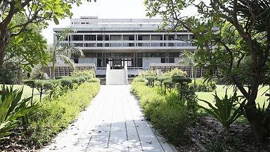 Indology-Institute-BV-Doshi-Iwaan-Baan-f