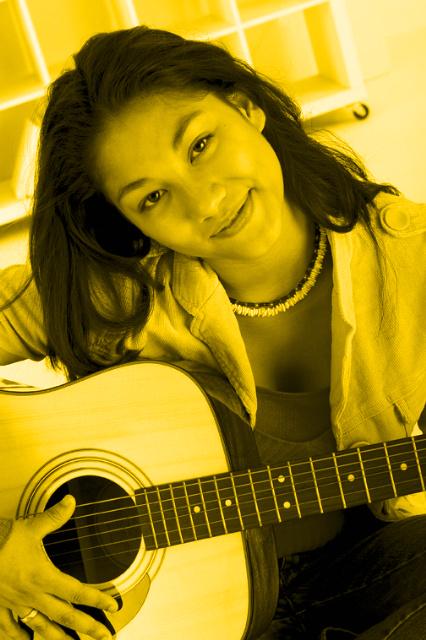 Teenage girl w guitar