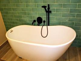freestanding-tub.jpg