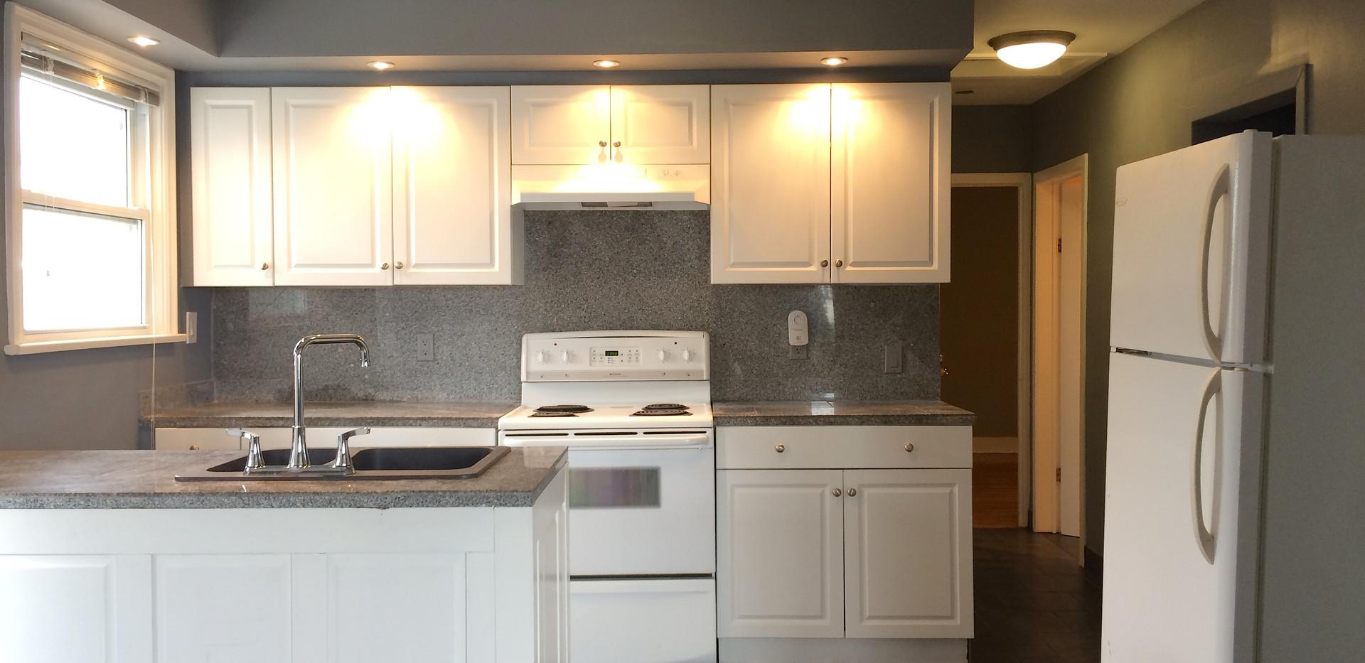 1-Kitchen1.JPG